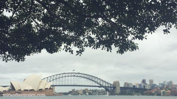 walking-tour-of-sydney-australia-sydney-harbour-bridge-opera-house-mirandasmuses-miranda-menelaws